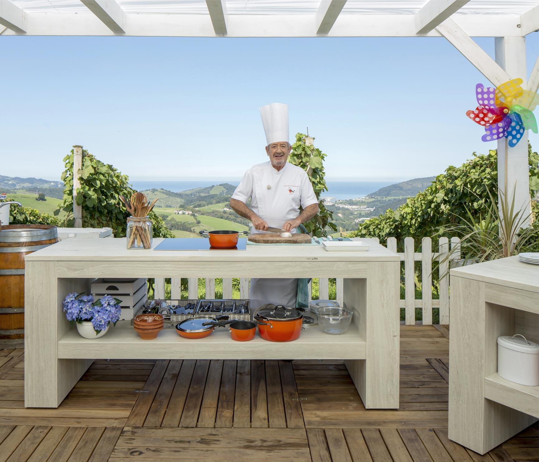 Karlos argui ano neolith kitchen for Muebles de cocina para exterior